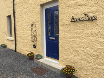 Annies P front door